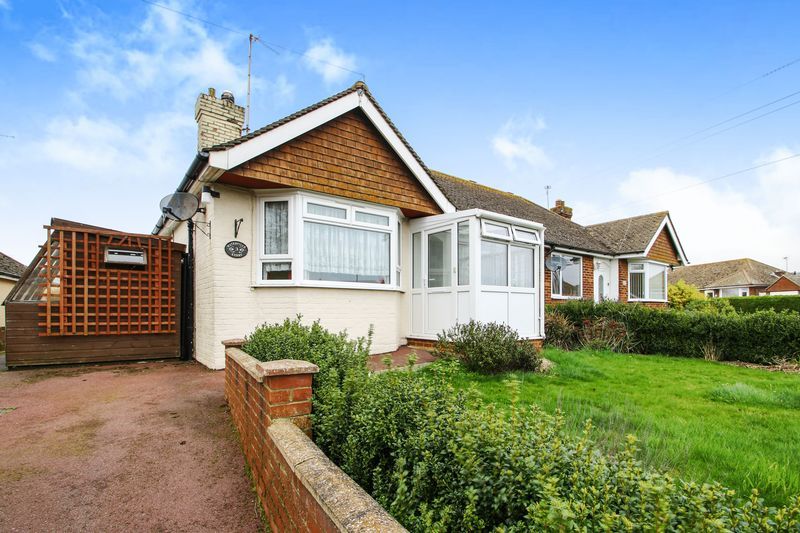 2 Bedrooms Semi Detached Bungalow for sale in Levett Road, Polegate, East Sussex, BN26